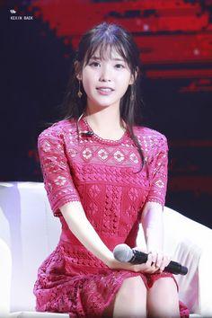 IU (아이유) - Picture @ HanCinema :: The Korean Movie and Drama Database Korean Celebrities, Beautiful Celebrities, Celebs, Iu Fashion, Korean Fashion, Korean Beauty Girls, Korean Singer, Kpop Girls, Beauty Women