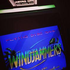 On instagram by zico92110 #neogeo #microhobbit (o) http://ift.tt/1SjFhCC séance de Winjammers ce soir!! #windjammers #windjammer #flyingpowerdisc #arcade #candycab #japon #japan #yen #100yen #astrocity #segaastrocity #sega #taito #mvs  #snk #snkg #namco #cave #pcb #neoarcadia #arcadeam #game #games #retrogaming #gamer #retrogamer