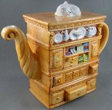 "Teapot Book Case Heritage China Cabinet Figural Ceramic 6"" Tall Cat Lid Knob"