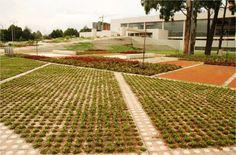 Parque Biblioteca Julio Mario Santo Domingo. Daniel Bermudez (arquiteto) e Diana Wiesner Ceballos (arquitetura da paisagem). Bogota, Colombia, 01-08-2008 (início) a 31-01-2010 (fim).