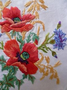 Bead Embroidery Jewelry, Silk Ribbon Embroidery, Modern Embroidery, Vintage Embroidery, Floral Embroidery, Hand Embroidery, Embroidery Stitches Tutorial, Embroidery Patterns, Poppy Pattern