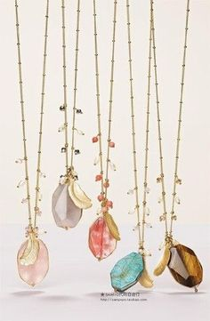 Love these handmade long gold chain necklaces by adding various rawgemstones in…