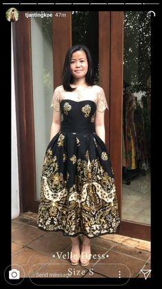 Kebaya Modern Dress, Kebaya Dress, Model Dress Batik, Batik Dress, Dress Outfits, Fashion Dresses, Dress Up, Dress Batik Kombinasi, Dress Brokat