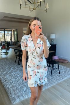 Everyone needs a good floral dress for the springtime. Spring Time, Floral, Outfits, Dresses, Style, Vestidos, Swag, Suits, Flowers