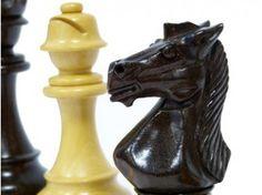 Pièces de Jeu d'échecs Staunton Spécial Escadron  Palissandre  chez Baron des échecs. http://www.barondesechecs.com/pieces-de-jeux-d-echecs-staunton-luxe/1138-pieces-de-jeu-d-echecs-staunton-special-escadron-palissandre-.html