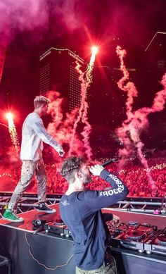 Andrew and alex Andrew Taggart, Music Jam, Edm Music, Lollapalooza, The Chainsmokers Wallpaper, Chainsmokers Concert, Ultra Music, Coachella, Ibiza
