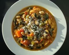 Tuscan Ribollita: This vegetarian soup is a hearty, stick-to-your-ribs dish that's filling and perfect for a cold winter's night. It's low in calories and fat and it gets a nice boost of protein and fiber from the beans and vegetables. Vegetarian Soup, Vegetarian Recipes, Healthy Recipes, Veggie Soup, Veggie Art, Easy Recipes, Italian Soup, Italian Recipes, Le Diner