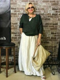 46 ideas womens fashion plus size over 50 style for 2019 60 Fashion, Older Women Fashion, Over 50 Womens Fashion, Fashion Over 40, Fashion Tips For Women, Women's Fashion Dresses, Cute Fashion, Fashion Clothes, Plus Size Fashion