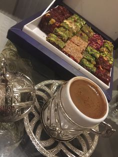 Arabic Dessert, Snap Food, Food Snapchat, Coffee Photography, Coffee Is Life, Fake Food, Chocolate Coffee, Coffee Cafe, Food Pictures