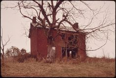 An Abandoned Farmhouse Surrounded by Stripped Land, in Southeast Ohio near Abandoned Ohio, Abandoned Buildings, Abandoned Places, Salton Sea California, Still Picture, Photo Maps, Frozen In Time, Photo Dump, Faded Glory