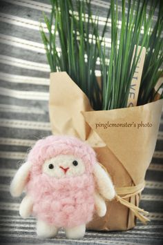 Sheep  Needle felting pink & white sheep with par pinglemonster, ETSY