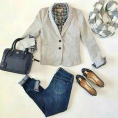 Un estilo chic y semiformal con jeans y blaizer