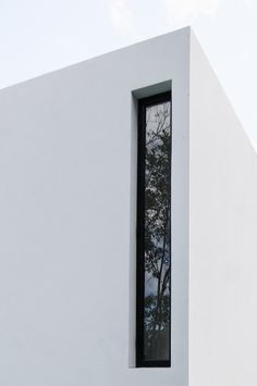 Warm Architects completes house with a cast concrete staircase Blog Architecture, Minimalist Architecture, Amazing Architecture, Ancient Architecture, Sustainable Architecture, Landscape Architecture, Fenetre Double Vitrage, Concrete Staircase, Window Design