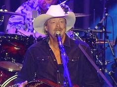 Alan Jackson's Tribute to George Jones after George's passing, Birmingham, AL concert 4-27-13