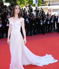 "Another stunning red-carpet appearance over the weekend at the 70th Annual Cannes Film Festival during the highly anticipated premiere of ""Okja"" -- Hollywood sensation Lily Collins wearing an iconic Bulgari High Jewellery necklace in platinum and sparkling diamonds #celebrity #style #fashion #glamour #redcarpet #bulgarihighjewellery #bulgari #cannes #cannes2017 #diamonds #jewelry #jewellery #bling #filmfestival #filmpremiere #okja #okjapremiere #france #lilycollins…"