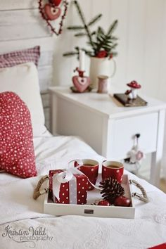 Swedish Christmas, Cottage Christmas, Christmas Bedroom, Merry Little Christmas, Scandinavian Christmas, Christmas Love, Christmas Morning, Christmas And New Year, Winter Christmas