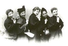 Anita Augspurg, Marie Struck, Lily von Gizycki, Minna Cauer und Sophia Goudstikker, um 1896