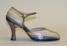 (via The Metropolitan Museum of Art - Sandals)