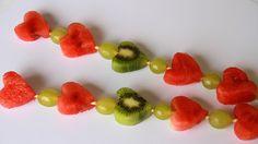 Hedelmävarras  | lasten | lapset | idea | askartelu | kädentaidot | käsityöt | hedelmä | kiivi | viinirypäle | vartaat | herkku | puuhaa | kesä | juhlat | karnevaalit | summer | party| carnivals | DIY | ideas | kids | children | crafts | home | sweets | fruit | Pikku Kakkonen Finnish Recipes, Finger Foods, Flamingo, Birthdays, Strawberry, Food And Drink, Birthday Parties, Ice Cream, Nutrition