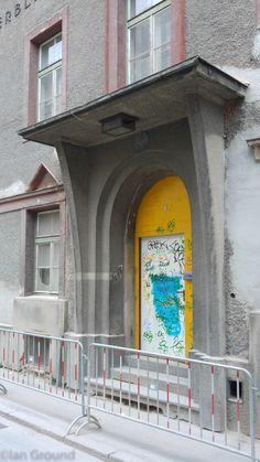 Entrance of the K.u.
