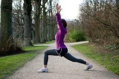 Woman doing Kneeling Hip Flexor Stretches before running Pre Run Stretches, Stretches Before Running, Best Stretches, Major Muscles, Calf Muscles, Asana, Running Warm Up, Running Tips, Cardio