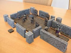 Flexible set-up for dungeon crawls. I like it!