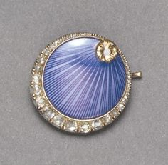 A FABERGE GOLD, ENAMEL AND JEWELED BROOCH, WORKMASTER OSKAR PIHL, MOSCOW,