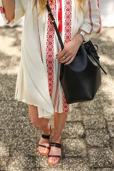 .boho vide, love the length of the sleeves and dress. Pattern is great