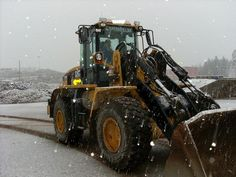 Caterpillar wheel loader in snow | Caterpillar hjullastare i snö