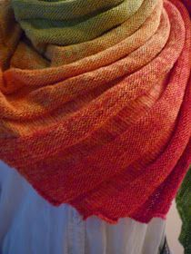 Crochet Patterns Poncho … have an impact ! It's the hitchhiker ! Poncho Knitting Patterns, Shawl Patterns, Loom Knitting, Knitting Socks, Crochet Patterns, Knit Cowl, Knitted Shawls, Knit Crochet, The Hitchhiker