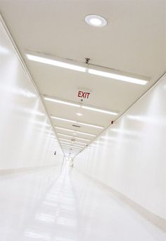 Image de exit, hospital, and aesthetic Claire Temple, Mara Dyer, Exit Sign, Wattpad, Ex Machina, White Aesthetic, Greys Anatomy, Teen Wolf, Stranger Things