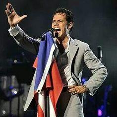 Wonderful voice! Que viva puerto rico!