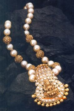 pearls-temple-necklace-manjula-rao love it! #ecrafty find glass pearls at http://www.ecrafty.com/c-595-glass-pearls.aspx