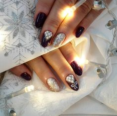 3. Combinatii de nuante Combinatia de nuante burgundy, alb si auriu - Cele mai frumoase 15 modele de manichiura pentru iarna