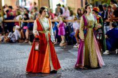 15th century Italian women's clothing