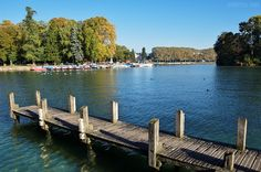 Annecy lake by an autumn morning.