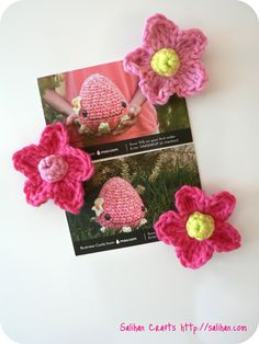 Free Crochet Flower Fridgies Pattern...quick and cute, to embellish almost anything.