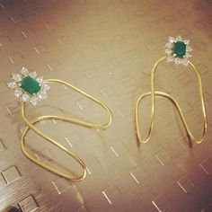 Gold Vanki from Parnicaa,i want ds in my jwell box Kids Gold Jewellery, Real Gold Jewelry, Gold Jewellery Design, Kids Jewelry, Trendy Jewelry, Indian Jewelry, Baby Jewelry, Designer Jewellery, Jewellery Shops