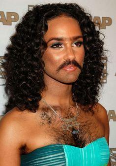 Le donne più belle del mondo ritoccate con photoshop hanno la barba !!