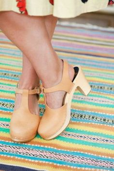 I adore clogs. I have a bit of an obsession…these are my next love pair, they don't know it yet but they will be mine!