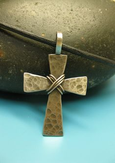 Collar Cruz de mens Mens martillado Cruz Mens por TheCaptiveHeart