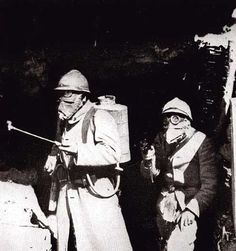 A French Flamethrower team.  These guys were prime targets on the battlefield.