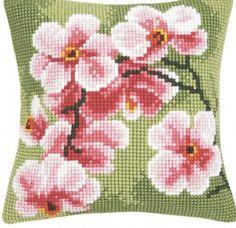I love needlepoint pillows!  Wish I could do it.