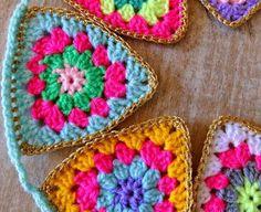 Transcendent Crochet a Solid Granny Square Ideas. Inconceivable Crochet a Solid Granny Square Ideas. Crochet Bunting, Crochet Garland, Crochet Decoration, Crochet Quilt, Crochet Blocks, Crochet Squares, Love Crochet, Crochet Granny, Crochet Gifts
