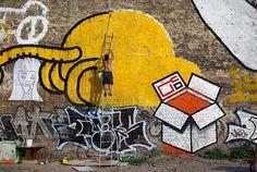 Karton peinture grand format à la bombe Berlin kreutberg Eltono + Karton lieux abandonné friche industrielle carton de peinture graffiti street art   www.koli.com.tr www.kolifabrikasi.com
