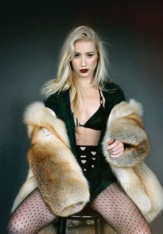 Provocative 90s Grunge Editorials - Iggy Azalea's Cover for Interview Mag is a Cobain Era Throwback (GALLERY)