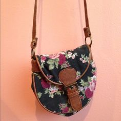 Small Floral Shoulder Bag - Forever 21 Small floral bag with clasp and zipper. Long should strap that can be worn across the body or on the shoulder (it is adjustable) Forever 21 Bags Crossbody Bags