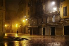 French photographer Christophe Jacrot (previously) is an absolute master when it comes to rain photography, capturing the beautiful melancholy of a rainy day in cities… Rain Photography, Street Photography, Christophe Jacrot, Rain And Thunderstorms, City Rain, Rain Pictures, Night Rain, I Love Rain, Street Painting