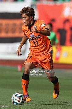 Toshiyuki Takagi of Shimizu S-Pulse in action during the J.League match between Shimizu S-Pulse and Urawa Red Diamonds at Ecopa Stadium on September 13, 2014 in Kakegawa, Shizuoka, Japan.