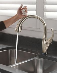 Touch2O Technology | It doesn't matter if you have two full hands or 10 messy fingers, tap the touch faucet anywhere on the spout or handle, and the water is running.
